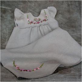 Dopklänning med rosor